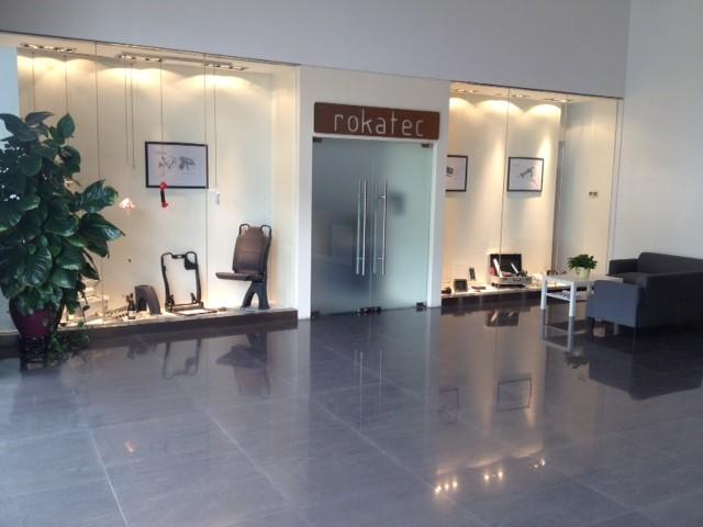 De entree van de vestiging van Rokatec in China